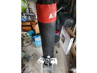 """5ft 7"""" punchbag gloves wraps and wall bracket"""
