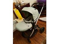 Chicco travel system with isofix base