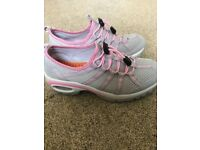 New women's mesh trainers size 5