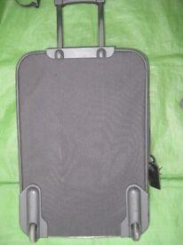 Medium Size Black Fabric Boros Expander Suitcase with Telescopic Handle and Wheels