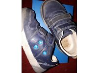 Clarks shoes/trainers 8F