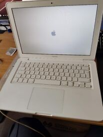 Apple MacBook 2010