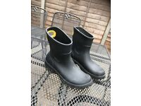 Croc Short Length Wellies UK 8