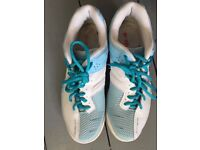 Yonex Women's badminton shoes size 6.5
