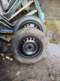 Tyres with alloys