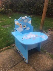 Child storage chair
