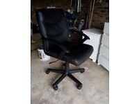 Computer, Desk/Office Chair