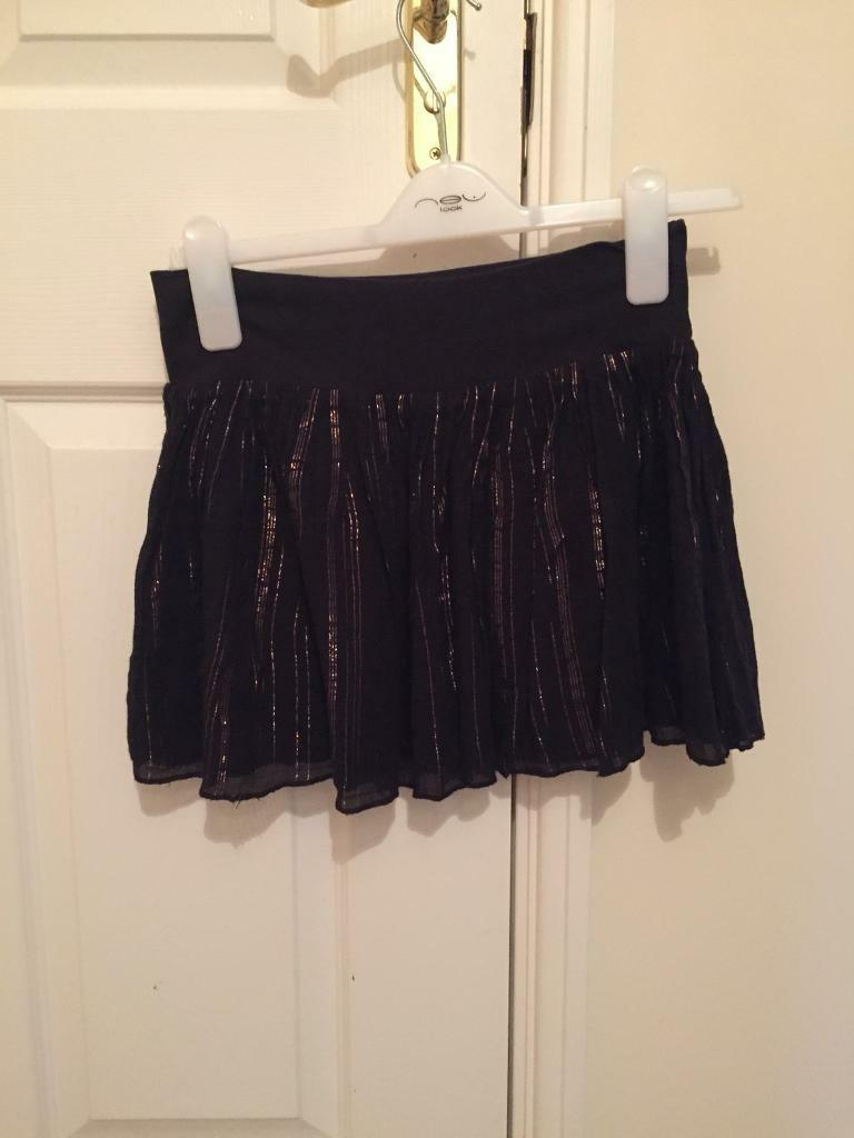 Black and gold skirt H&M size 8