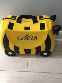 Trunkie suitcase