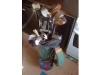 Set of 17 golf clubs in bag