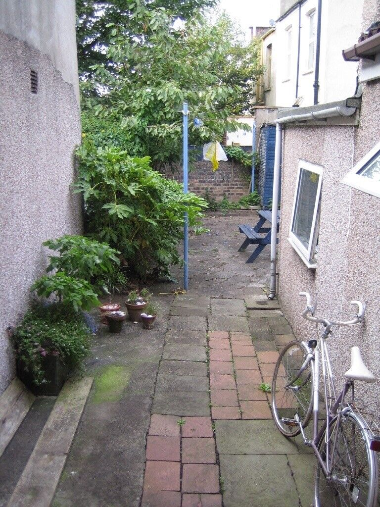 St George 1 Bed Flat Includes Bills Own Private Garden