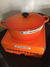 Le Creuset 25cm oval casserole dish orange
