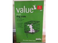 Small dog crate for sale. 77x49x53 boxed £25