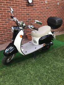 BTM 49QT Moped