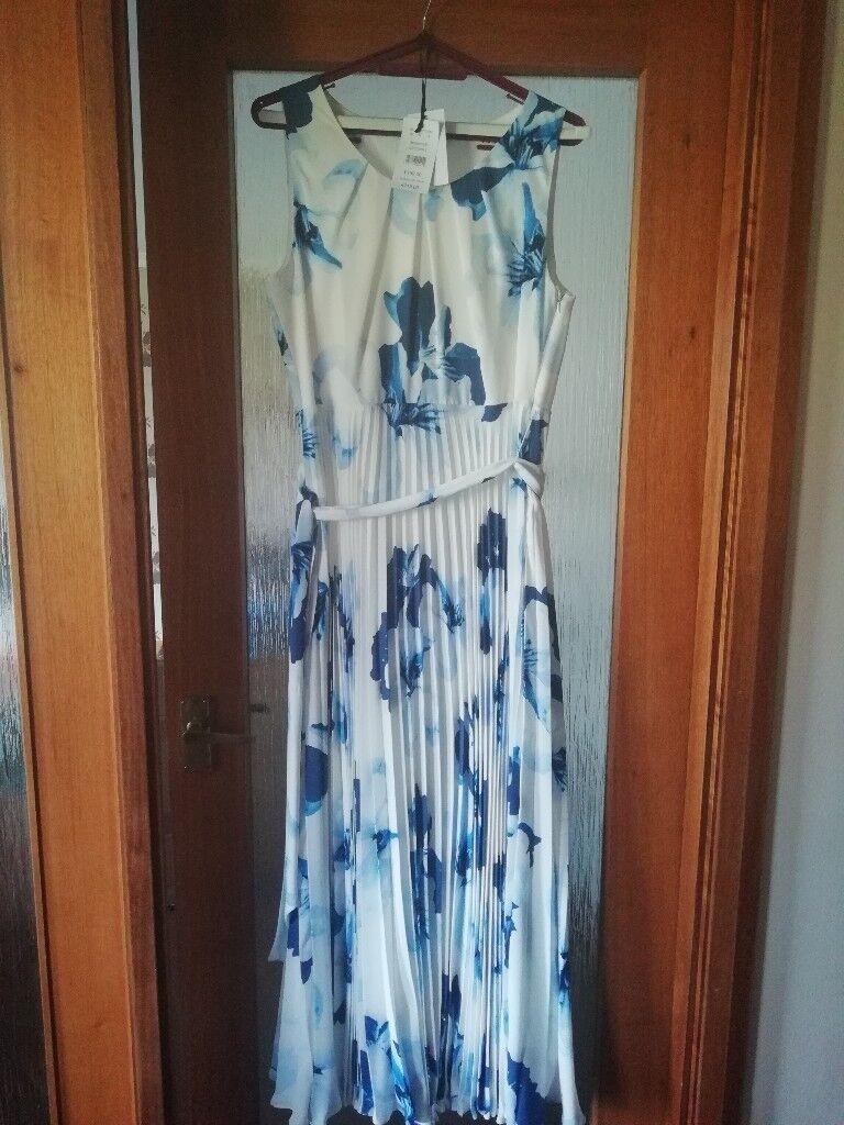 Debenhams Beautiful Long dress size 16   in Kennoway, Fife   Gumtree