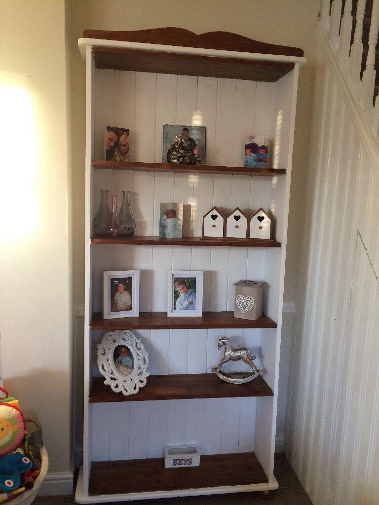 Shabby chic book shelf.