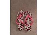 New Pink Animal Print Havaianas flip flops UK 3/4
