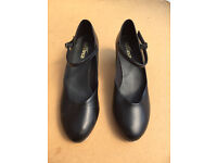 So Danca TA55 Cuban heel tap shoe, size 5-5.5 (US 7.5), Almost new