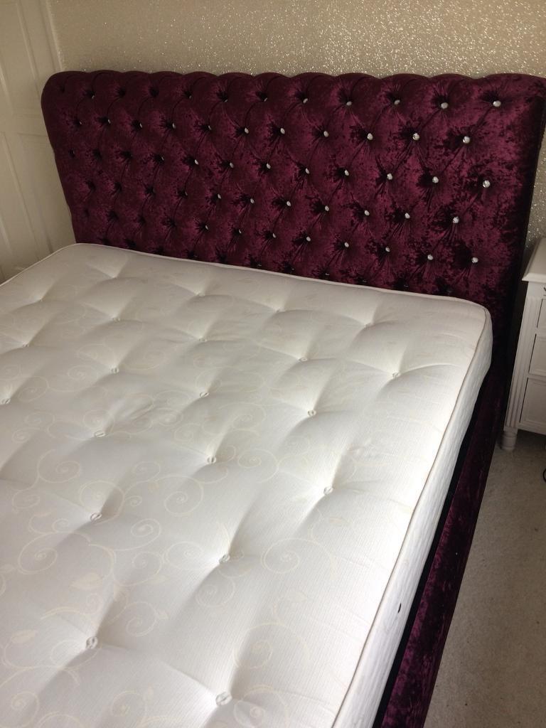 Kingsize Crushed Velvet Bed