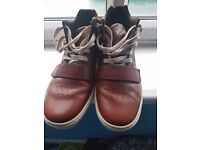 used Mens Timberlands boots SIZE UK 10.5 £70 ( original price £ 110).Excellent condition