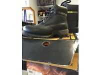 Mens work boots n safety boots size 8 and 11 n 14