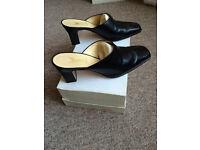 Yanko Black Leather Shoes Size 4 1/2 (37)