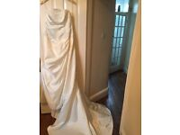 Lovely silk wedding dress size 12, includes hoop for under dress