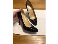 Christian Louboutin Decollete 100 Calf Black Patent Heels Uk 6.5 Eu39.5 (small made)