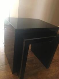 Nest of two tables (Black)