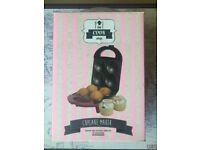 BRAND NEW The Cook Shop Cupcake Maker Non-Stick Plates 4 Cup Cakes BOX Gift Fizz