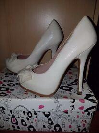 Cream high heels - size 4