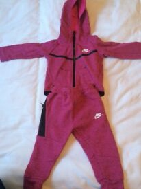 Girls Nike tracksuit worn once