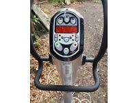 Metro V2000 vibration plate