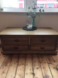 Pretty Wooden coffee table with drawers