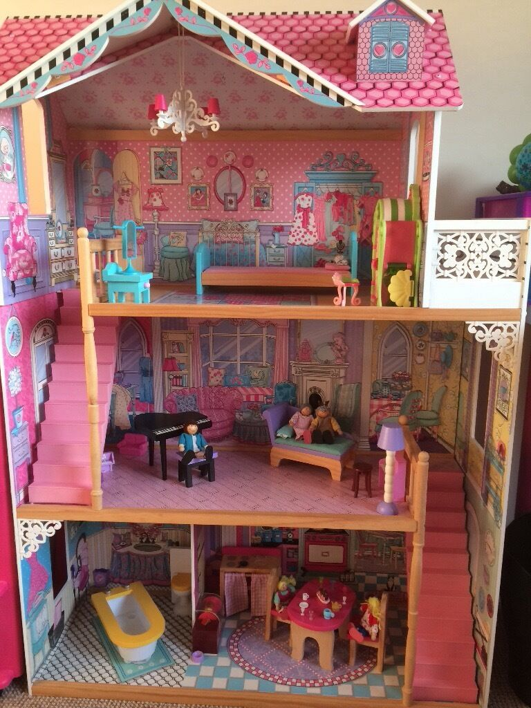 Dolls house mansion-excellent condition, good quality