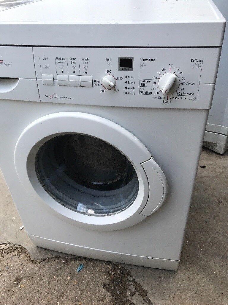 BOSCH WASHING MACHINE (6KG)))