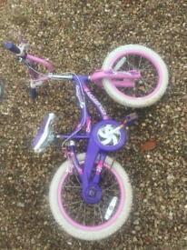 Girls bike (s)