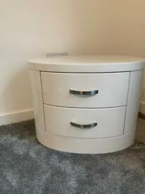 Bed side table or corner unit white high gloss