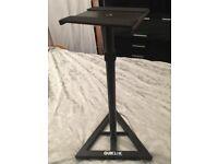 Quiklok speaker stands