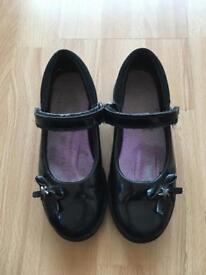 Clark's black parent shoes size 13F