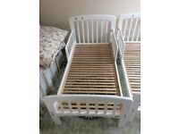 John Lewis Toddler Bed White x 2 beds (£ 25 each bed)