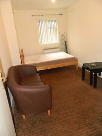 FLAT TO RENT - FULLY FURNISHED - NO SHARING - INCLUDING WATER & COUNCIL TAX - CLEAN AND QUIET