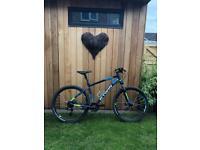 Btwin Rockrider 520 - Mountain Bike