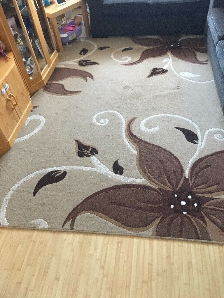 Large carpet 1.90m x 2.80m