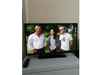 Panasonic TX-32D302B 32-inch Freeview HD Non Smart TV with full HD indoor aerial