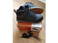 Scruffs Switchback Safety Shoes / Hiker Boots - black