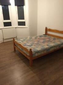 Large double room with bills included