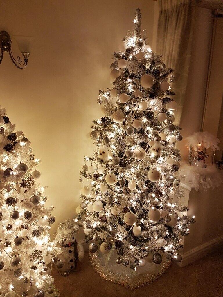 Qvc Christmas Tree 6 Foot Flocked Pre Lit In Shifnal Shropshire Gumtree