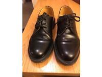 Dr Martins Smart Black men's size 7 shoes excellent condition!!