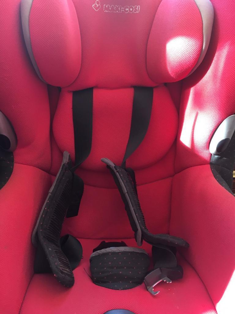 Maxi Cosi Axiss child's car seat in good condition